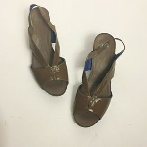 CLARKS Wedge Sandals Shoes Brown Strap Size 7